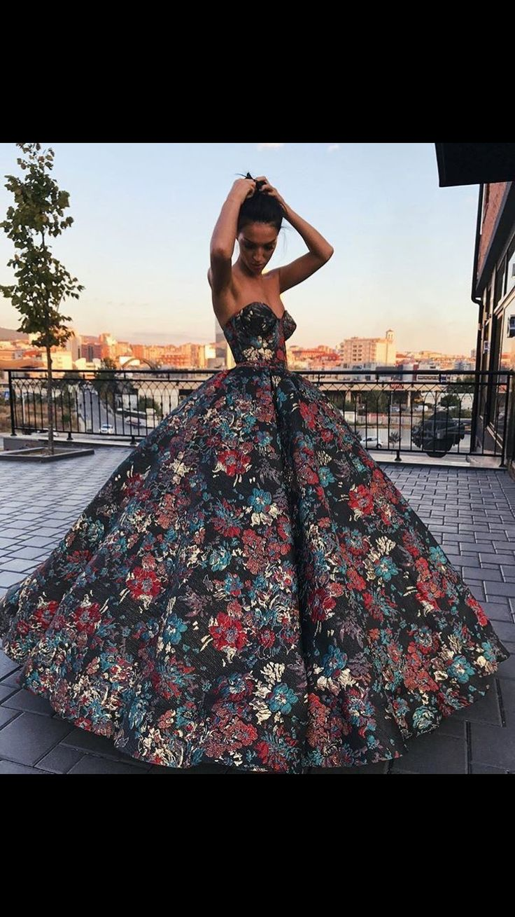 I would never actually wear these ballgown type dresses to prom but they look amazing soooo