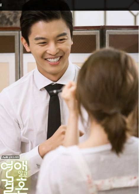 tvN Marriage, Not Dating - Yeon Woo Jin enjoying a moment with Han Groo on set.