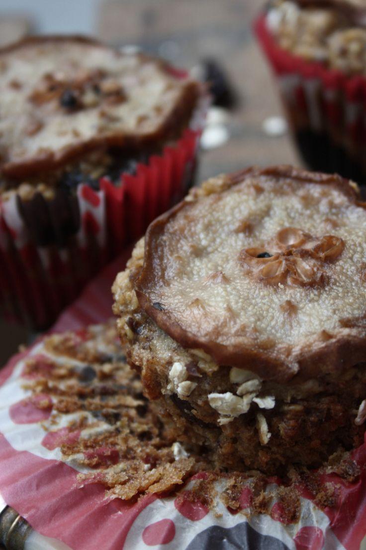Apple, Pear & Cinnamon Oatmeal Muffins | Cook Eat Live Vegetarian