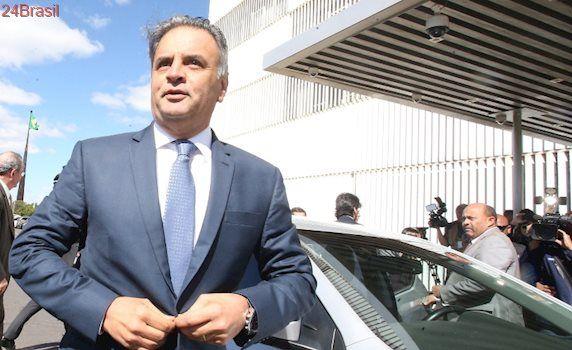 De volta ao Senado: Aécio elogia ministro que o reconduziu e diz que foi execrado por antecipação