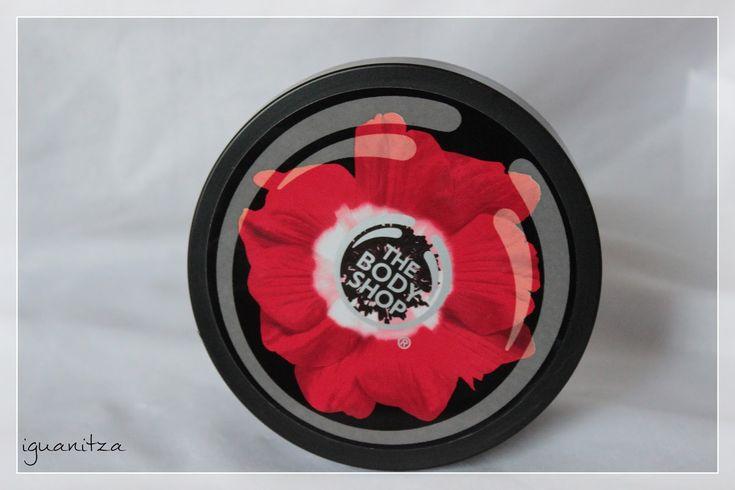 Unul dintre produsele mele preferate de corp este untul Smoky Poppy de la The Body Shop. Aflati de pe blog de ce :)
