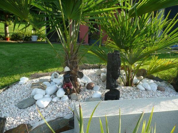 Les 85 meilleures images propos de parterre avec - Jardin cailloux ...
