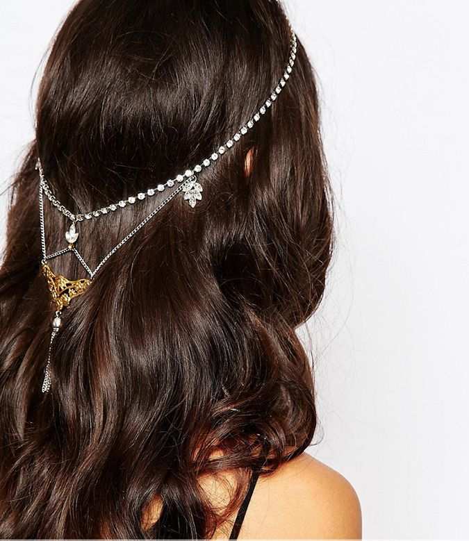 This intricate hair accessory is perfect for short or long hair