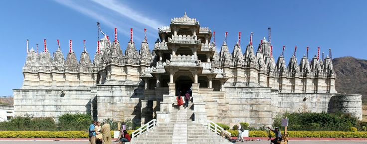 Udaipur To Ranakpur Tour:The main temple which is at Ranakpur is said to be dedicated to the Jain spiritual leader, Adinatha, who is believed to have completely conquered the cycle of death and rebirth, thus achieving true liberation, enlightenment, or nirvana, however, you wish to express the idea. Most certainly a tour worth taking, add this right away to your collection of things to do in Udaipur.
