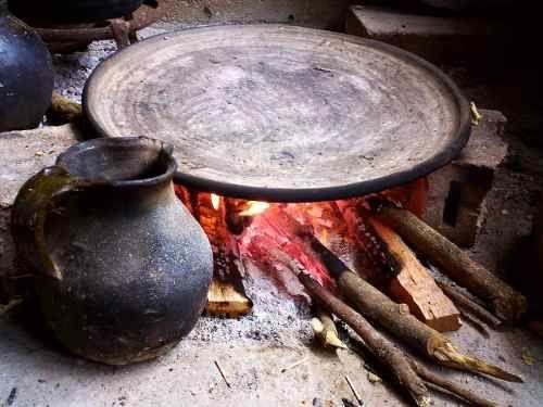 17 best images about comales de barro metates molcajetes for Utensilios de cocina mexicana