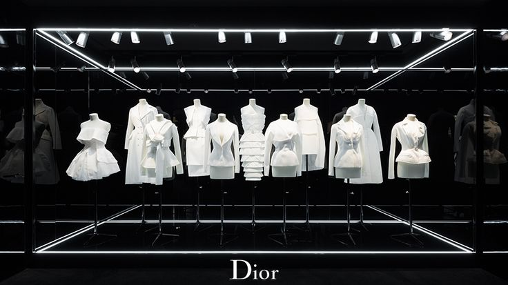 "DIOR,""Just stick with white"", pinned by Ton van der Veer"