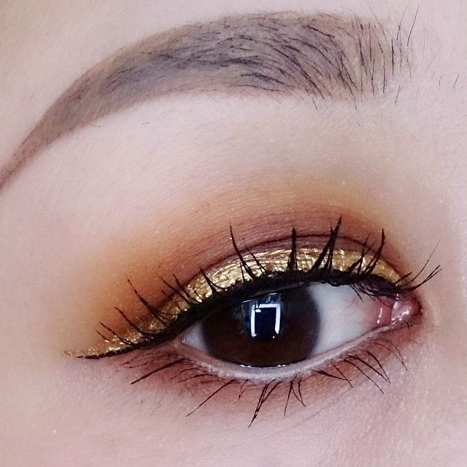 #eotd  ゴールドのアイライナーはNYXの物です  #eyemakeup#eyelook#makeup#motd#goldeyeliner #asianmakeup#asianeyes#hoodedeyes#smokyeyes#メイク#アイメイク#カラーライナー#アイライナー#NYXcosmetics #limecrimemakeup#venus2#海外コスメ#スモーキーアイ#glitterliner by romi699667