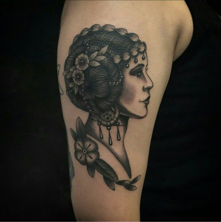 Gorgeous and unique Princess Leia tattoo!