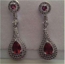Cercei sultana Red Cubic Zirconia cercei lungi cu cristale rosii http://www.bijuteriifrumoase.ro/cumpara/cercei-sultana-red-cubic-zirconia-757