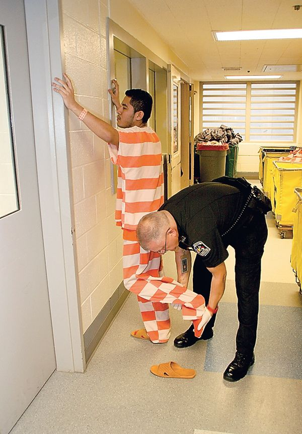 https://flic.kr/p/bNPRkr | Inmate Strip Search County Jail
