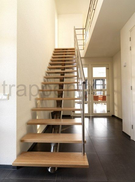 17 beste afbeeldingen over rechte trappen op pinterest for Buitenste trap ontwerp