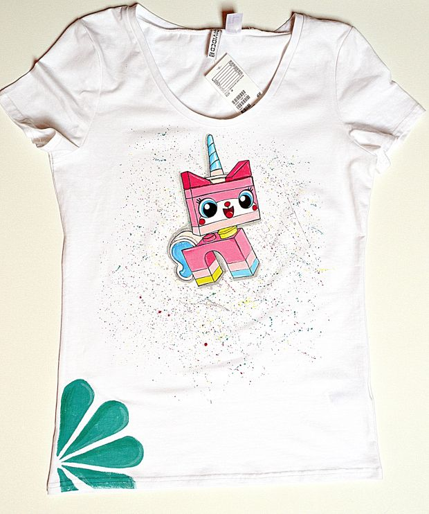 LEGO kitty on the T-shirt