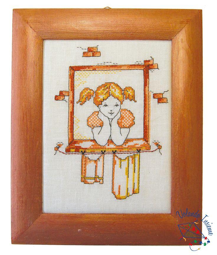 Alla finestra, quadretto a punto croce. http://www.casacenina.it/volando-insieme/alla-finestra.html