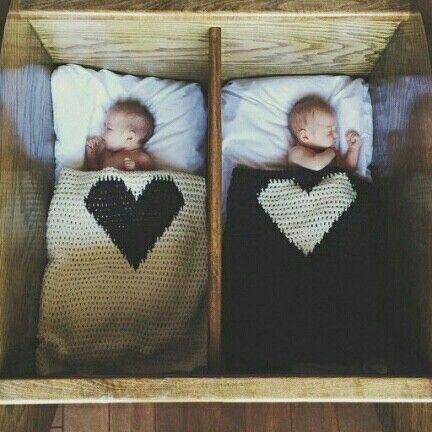 Ogni giornata è una piccola vita, ogni risveglio una piccola nascita, ogni nuova mattina è una piccola giovinezza... Buon giorno a tutti... -Arthur Schopenhauer -
