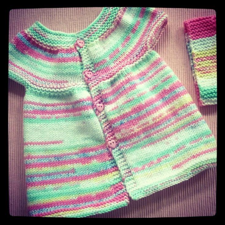 17 meilleures id es propos de chandails de b b en tricot sur pinterest pulls de b b - Point tricot facile joli ...