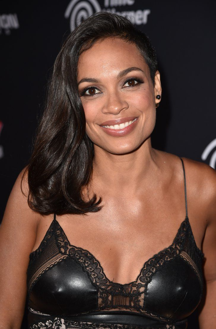 Pin for Later: Reese Witherspoon's Red Lip Is Your New Default Weekend Style Rosario Dawson Rosario Dawson attended the premiere of Sin City: A Dame to Kill For with a chocolate-brown smoky eye.