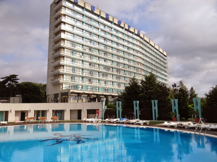 One of the best hotels from the Romanian seaside - Hotel Europa from Eforie Nord  http://www.imperatortravel.ro/2014/09/taramul-interzis-al-copilarie-hotelul-europa-eforie-nord.html