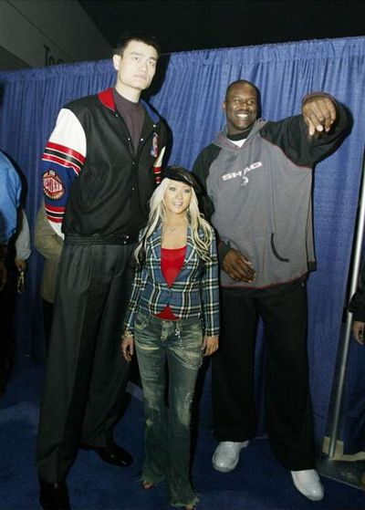 Christina, Yao, and Shaq.... this is seriously nuts!!! I wonder what I would look like next to these two with my height.