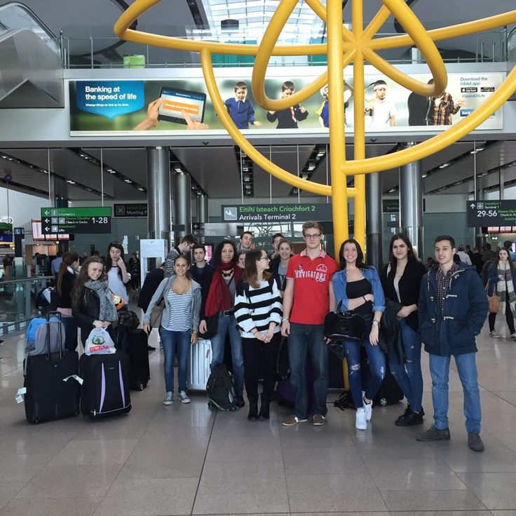 Students ariving at Dublin airport