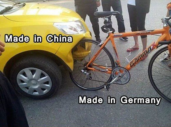 man-nona:  中国製品とドイツ製品の特徴がよくわかる事故が激写される | ロケットニュース24