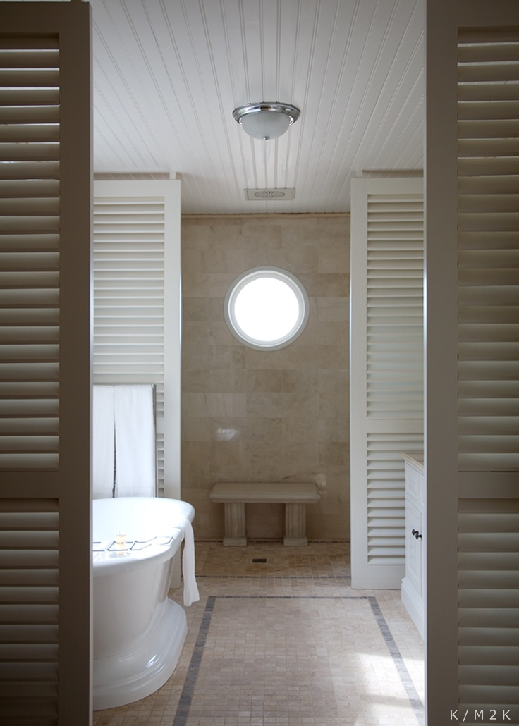 Honeymoon Castle | En Suite Bathroom