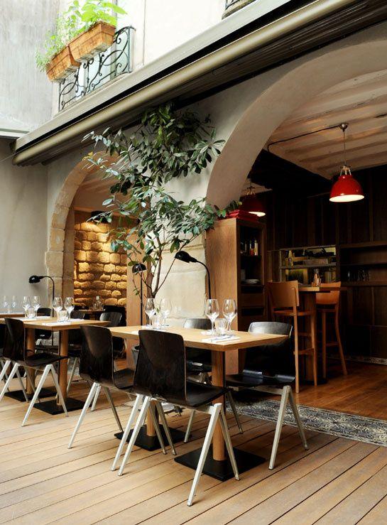 Jaja, 3 rue Sainte-Croix de la Bretonnerie 75004 Paris - Tél: 01 42 74 71 52  www.jaja-resto.com