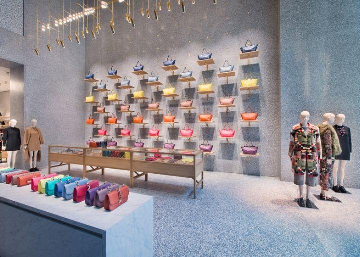 Уникальный дизайн бутика одежды Valentino в стиле арт-деко