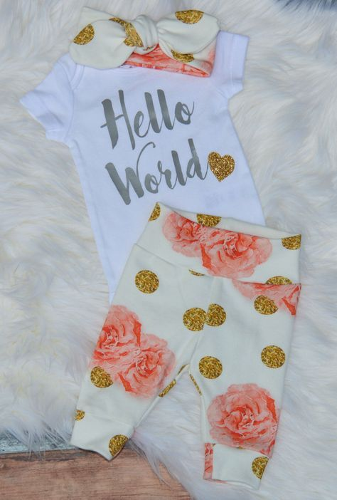 Hello world, newborn girl coming home outfit, coming home outfit girl, baby girl take home outfit, baby girl outfit, organic baby outfit by GoneGreenMama on Etsy www.etsy.com/...
