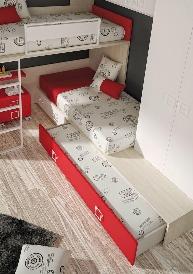 litera tipo tren con tres camas, ideal para familias numerosas con dos y tres niños, te ayudara a optimizar tu espacio y seguir teniendo espacio libre para el ocio de tus hijos.
