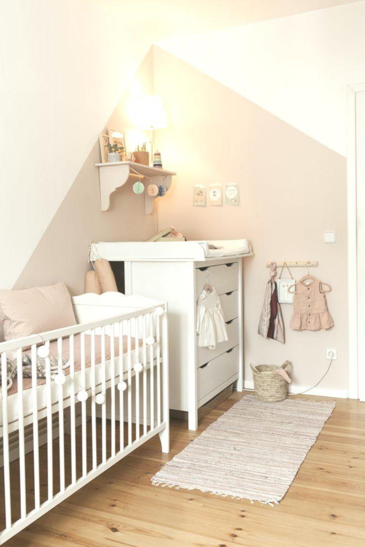 Ein Traum In Rosa Wunderschones Kinderzimmer Fur Ein Madchen Im Zarten Altrosa Kleine Babyzimmer Kinder Zimmer Kinderzimmer Fur Madchen
