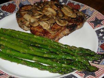 Pork chops with mushrooms, Grilled pork chops and Grilled pork on ...