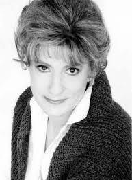 7 novembre 2008 Décès de la comédienne Amulette Garneau, 80 ans