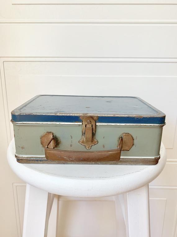 Vintage Lunchboxlunch Pailmetalbinstorage Containerhandle Etsy In 2020 Vintage Storage Storage Bins Vintage Bookends