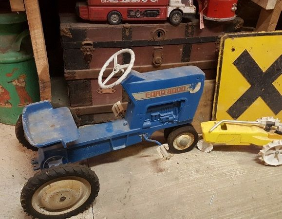 FORD pedal tractor for sale $275 pick up in Ohio