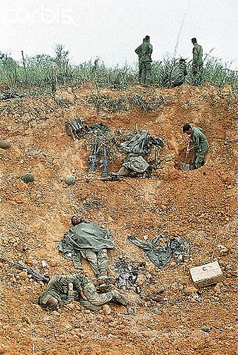 battle of khe sanh essay Pic tells the story of the last great, unsung battle of the 20th century, the siege of khe sanh five thousand young marines were surrounded and attacked by 20,000.