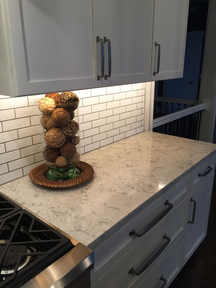 3cm Viatera Quartz Rococo With Subway Tile Backsplash A Timeless Look