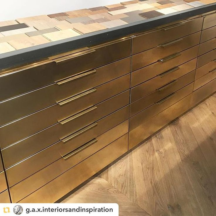 We love this post from #g.a.x.interiorsandinspiration : Love this brass display unit in the new Havwoods showroom on Kings Road - choosing wood flooring for a new project, a Pilates Studio - we will need something to keep their clients energised ! #havwoods #havwoodsflooring #TimberFlooring #engineeredwood #architecture #businesslife #business #businessowner #commercialphotography #interiors #interiordesigner #interiorstyling #interiordecorator #interiordesignersofinsta #inspiremedesign