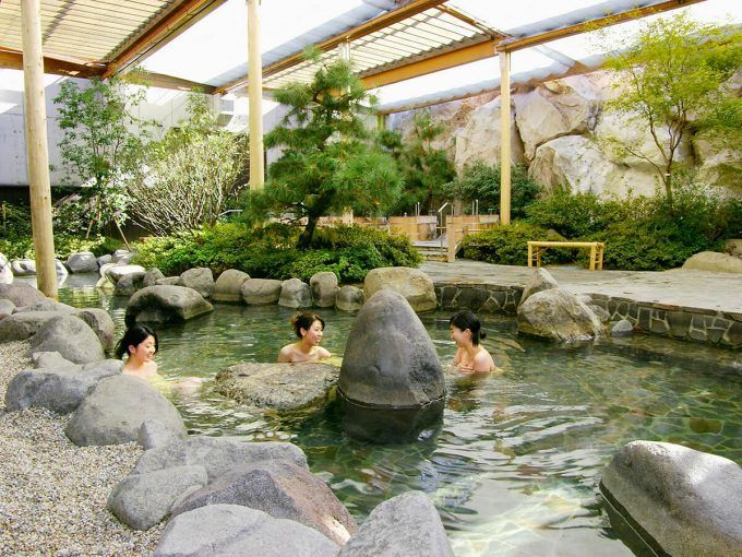 Beginners guide to Japanese Onsen Etiquette #japan #spa #wellness