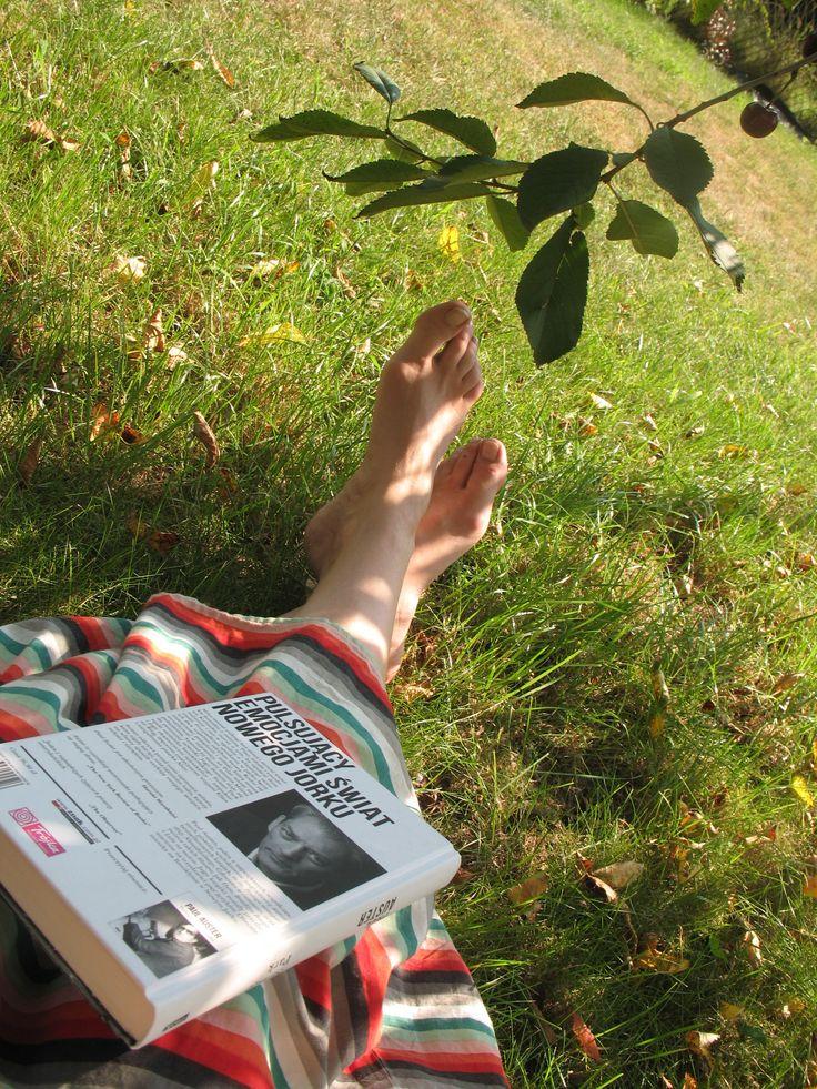 Ewa   http://bialyregalnaksiazki.blogspot.com/