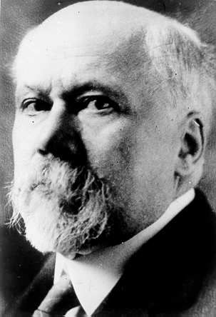 Triple Entente leader of France - President Poincare(August 20, 1860-1943)He wanted to reassure the relationship between France and Russia.
