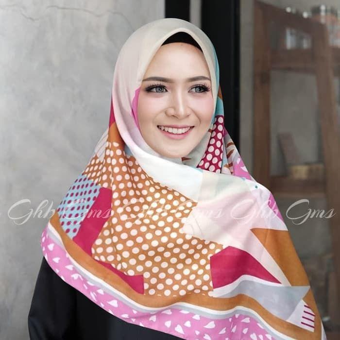 Segiempat Voal Love Fashion Hijab Fashion Beautiful Hijab