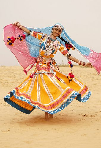 kalbelia - rajasthan, india www.bhuz.com #bellydance #belly #dance,