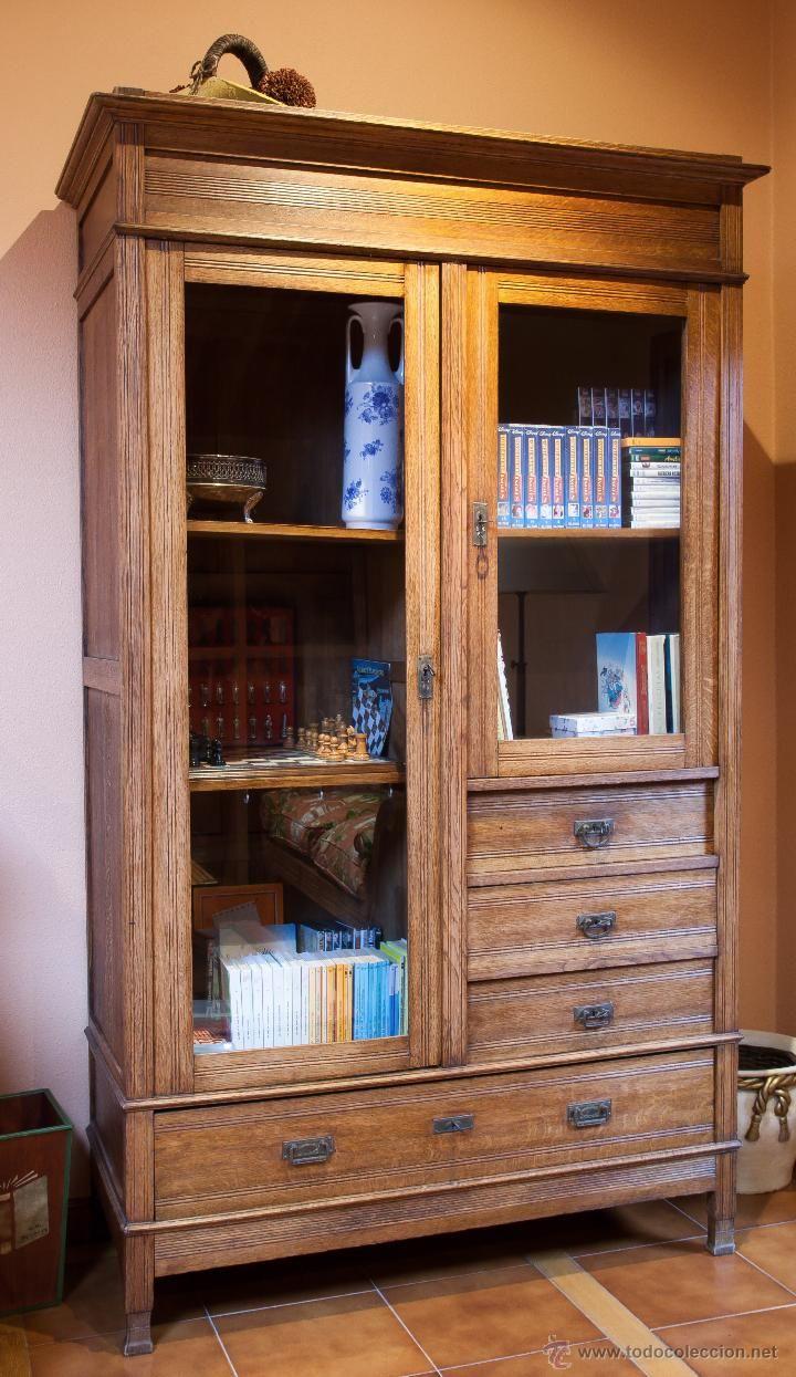 Armario de habitación español en madera de roble claro, 300 €