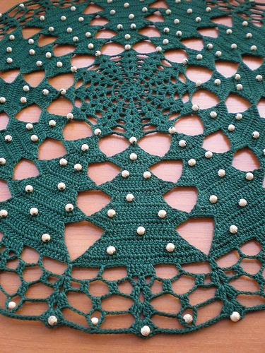 Crocheted Christmas Tablecloth Tutorial