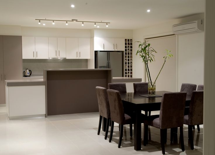 Modern laminate kitchen with up stand alcove
