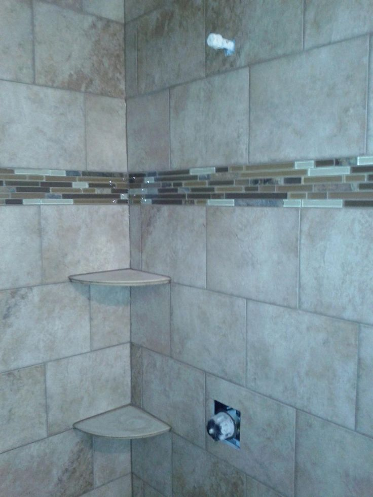 brick pattern porcelain tile with glass accent tiles
