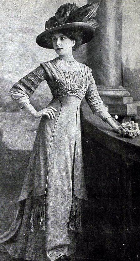 Edwardian Fashion - 1909                                                                                                                                                      More