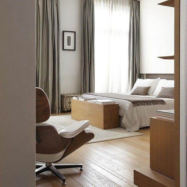 Apartment in France by Bismut & Bismut Architectes  #homeadore #bedroom #bed #interior #interiors #interiordesign #interiordesigns #residence #home #casa #property #flat #apartment #loft #contemporary #france #bismutbismutarchitectes