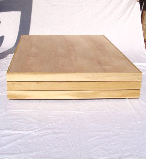 Marco de cama de plataforma flotante inspirado por CustomTimberHF