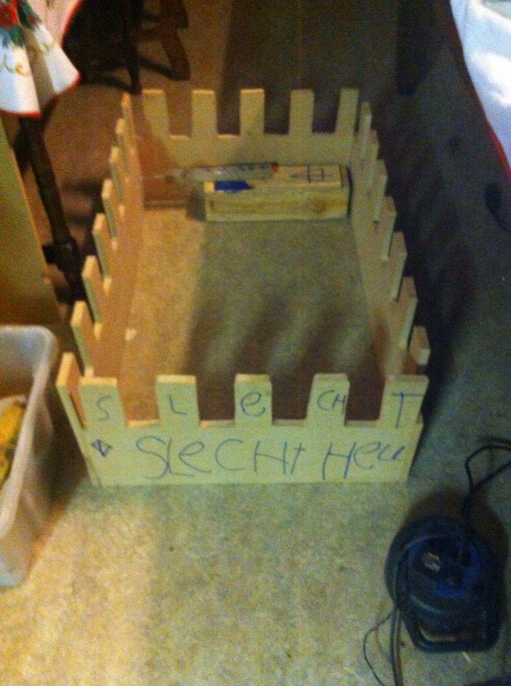 Ombouw kar nog schilderen en Lego blokjes erop tekenen